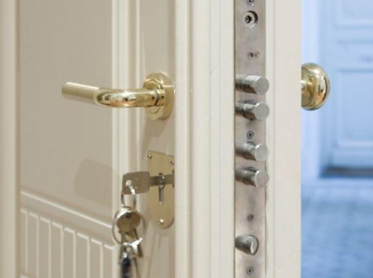 Puertas de seguridad carpinteros barcelona - Puertas blindadas barcelona ...